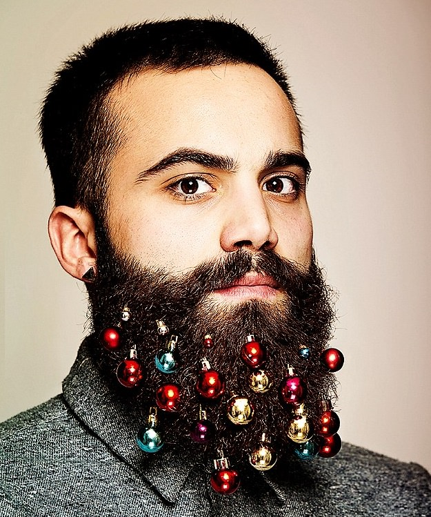 Decorate your beard for Christmas!