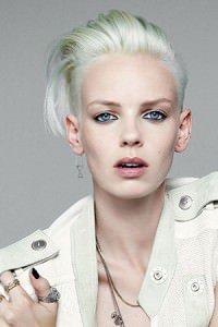 Ladies-Blonde-Hairstyle-GW