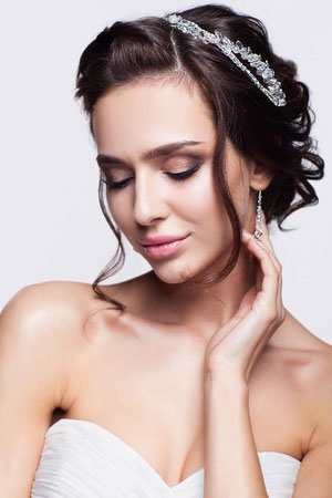 Top Bridal Hair Trends for Summer Weddings