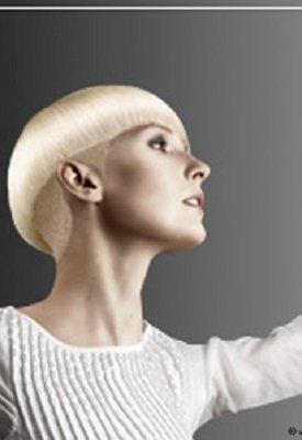 short-blonde-haircut