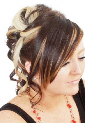 updo-with-tendrils