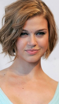 classic-short-ladies-hairstyle