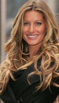 flowing-curls-long-hairstyle-ladies