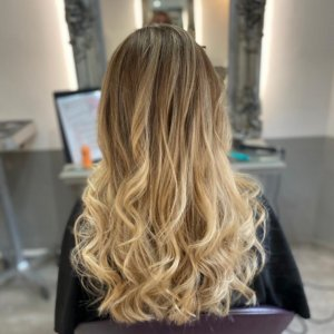 elements-hair-dressers-oxted-surrey-balayage-highlights